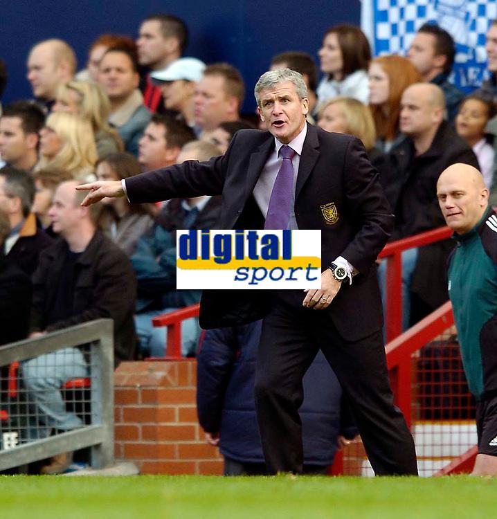 Fotball<br /> Foto: SBI/Digitalsport<br /> NORWAY ONLY<br /> <br /> England v Wales<br /> 09.10.2004<br /> <br /> Welsh manager Mark Hughes