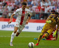 13.06.2015, Nationalstadion, Warschau, POL, UEFA Euro 2016 Qualifikation, Polen vs Greorgien, Gruppe D, im Bild ROBERT LEWANDOWSKI POL GIORGI LORIA GEO // during the UEFA EURO 2016 qualifier group D match between Poland and Greorgia at the Nationalstadion in Warschau, Poland on 2015/06/13. EXPA Pictures © 2015, PhotoCredit: EXPA/ Newspix/ MICHAL CHWIEDUK<br /> <br /> *****ATTENTION - for AUT, SLO, CRO, SRB, BIH, MAZ, TUR, SUI, SWE only*****