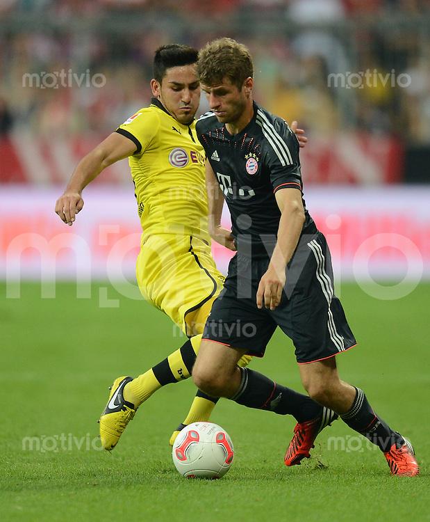 FUSSBALL   1. BUNDESLIGA   SAISON 2012/2013   SUPERCUP FC Bayern Muenchen - Borussia Dortmund            12.08.2012 Ilkay Guendogan (li, Borussia Dortmund)  gegen Thomas Mueller (FC Bayern Muenchen)