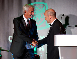 CARDIFF, WALES - Monday, October 2, 2017: FAW Special Award Winner Ian Rush receives his trophy from FAW Chief-Executive Jonathan Ford during the FAW Awards Dinner at the Hensol Castle. (Pic by David Rawcliffe/Propaganda)