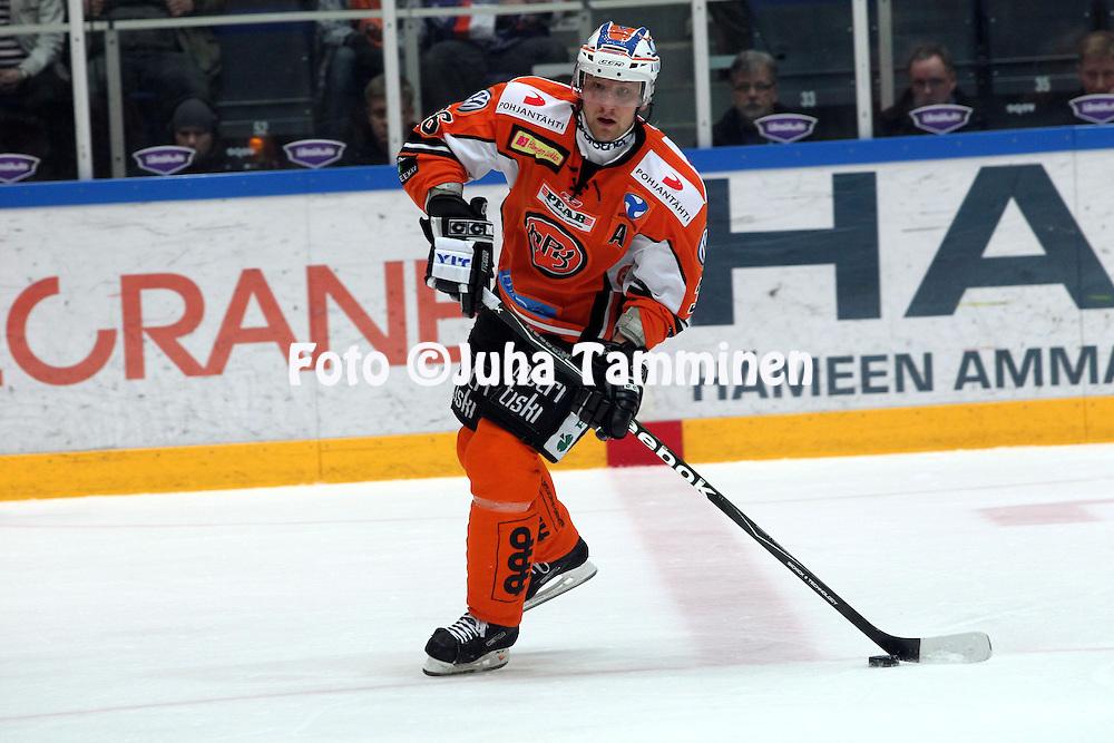 31.03.2010, H?meenlinna..J??kiekon SM-liiga 2009-10, playoff puoliv?lier?.HPK - HIFK.Marko Tuulola - HPK.©Juha Tamminen.