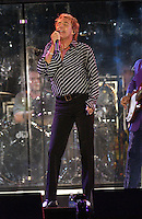 Rod Stewart performing on the United We Stand: What More Can I Give?  benefit concert at RFK Stadium in Washington, DC.  October 21, 2001 (Photo by Jeff Snyder