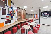 Restaurant McDonald situé dans un Walmart  -   / Chateauguay / Canada / 2013-04-22, Photo © Marc Gibert / adecom.ca