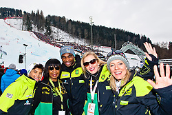 """15.02.2013, Planai, Schladming, AUT, FIS Weltmeisterschaften Ski Alpin, Riesenslalom, Herren, 2. Durchgang, im Bild Das Skiteam """"Jamaica"""" mit Athlet Michael Williams (Bildmitte) // The ski team """"Jamaica"""" with athlete Michael Williams (center) during 2st run of the Mens Giant Slalom at the FIS Ski World Championships 2013 at the Planai Course, Schladming, Austria on 2013/02/15. EXPA Pictures © 2013, PhotoCredit: EXPA/ Markus Casna"""