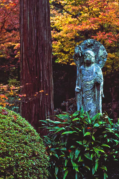 Jizo statue in the Sanzen-in Temple gardens. Sanzen-in Temple was built in 985 by the Tendai priest Genshin. Ohara, rural town north of Kyoto, Japan