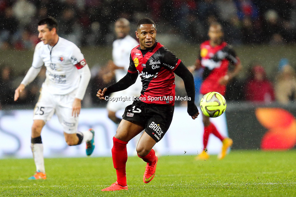Claudio BEAUVUE - 03.12.2014 - Guingamp / Caen - 16eme journee de Ligue 1 <br />
