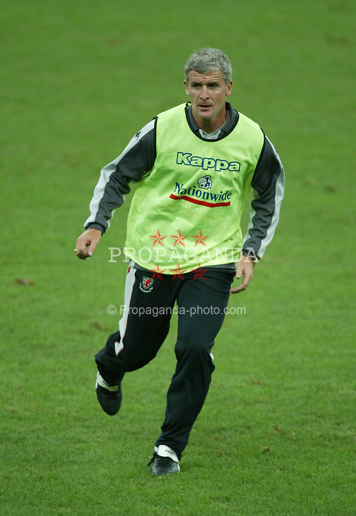 MILAN, ITALY - Thursday, September 4, 2003: Wales' Mark Hughes training at the San Siro ahead of their Group 9 Euro 2004 qualifier against Italy. (Pic by David Rawcliffe/Propaganda)