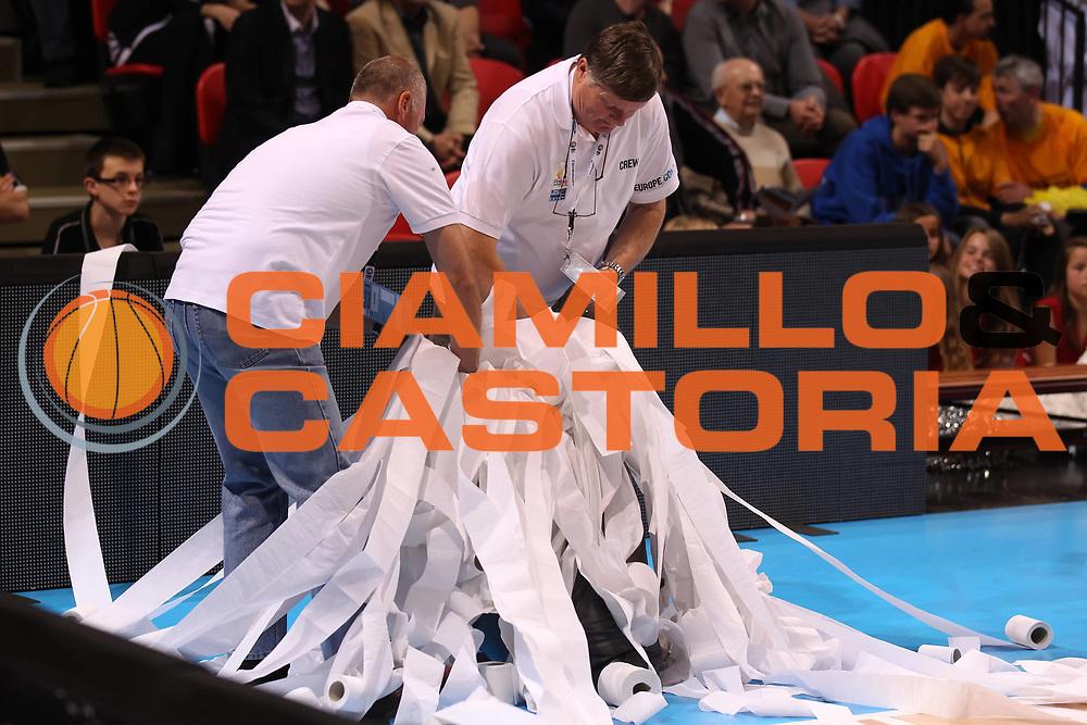 DESCRIZIONE : Ostenda Fiba Europe EuroChallenge Men Final Four 2011<br /> Semifinal KRKA BC OOstende<br /> GIOCATORE :<br /> SQUADRA : BC OOstende<br /> EVENTO : Fiba Europe EuroChallenge Final Four 2011<br /> GARA : KRKA BC OOstende<br /> DATA : 29/04/2011<br /> CATEGORIA : curiosita<br /> SPORT : Pallacanestro <br /> AUTORE : Agenzia Ciamillo-Castoria/ElioCastoria<br /> Galleria : Fiba Europe EuroChallenge Final Four 2011<br /> Fotonotizia : Ostenda Fiba Europe EuroChallenge Men Final Four 2011<br /> Semifinal KRKA BC OOstende<br /> Predefinita :