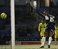Picture by David Horn/Focus Images Ltd +44 7545 970036.11/12/2012.Gavin Tomlin of Southend United scores during the The FA Cup match at Roots Hall, Southend.