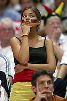 Fotball<br /> Euro 2004<br /> Portugal<br /> 23. juni 2004<br /> Foto: Dppi/Digitalsport<br /> NORWAY ONLY<br /> Tyskland v Tsjekkia<br /> DISAPPOINTMENT GERMAN FAN AFTER THE GERMAN'S ELIMINATION