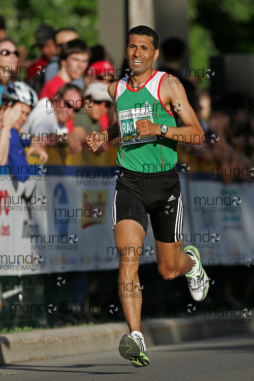 (Ottawa, ON --- May 29, 2010) BAGHDAD RACHEM running in the 10km race during the Ottawa Race Weekend. Photograph copyright Sean Burges / Mundo Sport Images