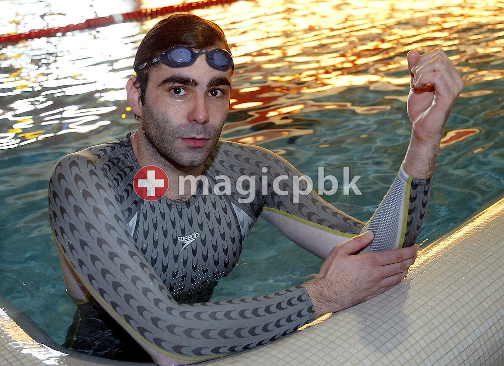 Remo LUETOLF of Switzerland tests the new Speedo FASTSKIN FSII (FS2) swim suit on Wednesday, March 10, 2004, in the Waterworld in Wallisellen, Switzerland. (Photo by Patrick B. Kraemer/MAGICPBK)