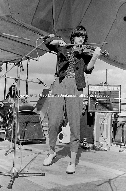 Vicky Aspinall, The Raincoats, Alexandra Palace, London 15-06-1980