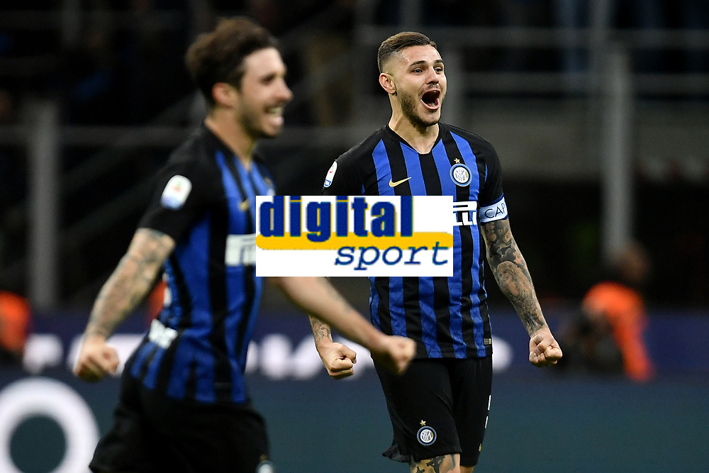 Mauro Icardi of Internazionale celebrates the victory at the end of the Serie A 2018/2019 football match between Fc Internazionale and AC Milan at Giuseppe Meazza stadium Allianz Stadium, Milano, October, 21, 2018 <br />  Foto Andrea Staccioli / Insidefoto