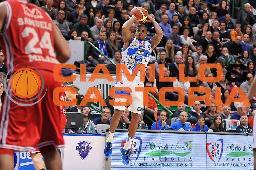 DESCRIZIONE : Campionato 2014/15 Dinamo Banco di Sardegna Sassari - Olimpia EA7 Emporio Armani Milano<br /> GIOCATORE : Edgar Sosa<br /> CATEGORIA : Tiro Tre Punti Three Point<br /> SQUADRA : Dinamo Banco di Sardegna Sassari<br /> EVENTO : LegaBasket Serie A Beko 2014/2015<br /> GARA : Dinamo Banco di Sardegna Sassari - Olimpia EA7 Emporio Armani Milano<br /> DATA : 07/12/2014<br /> SPORT : Pallacanestro <br /> AUTORE : Agenzia Ciamillo-Castoria / Claudio Atzori<br /> Galleria : LegaBasket Serie A Beko 2014/2015<br /> Fotonotizia : Campionato 2014/15 Dinamo Banco di Sardegna Sassari - Olimpia EA7 Emporio Armani Milano<br /> Predefinita :