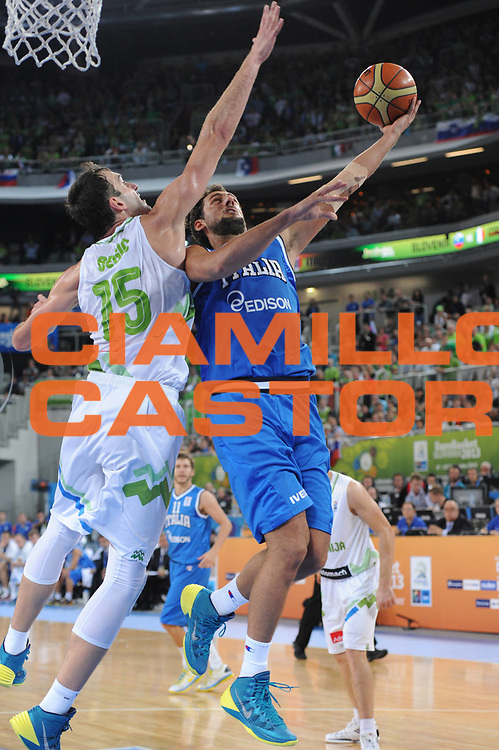 DESCRIZIONE : Lubiana Ljubliana Slovenia Eurobasket Men 2013 Second Round Slovenia Italia Slovenja Italy<br /> GIOCATORE : Marco Belinelli<br /> CATEGORIA : tiro shot<br /> SQUADRA : Italia Italy<br /> EVENTO : Eurobasket Men 2013<br /> GARA : Slovenia Italia Slovenja Italy<br /> DATA : 12/09/2013 <br /> SPORT : Pallacanestro <br /> AUTORE : Agenzia Ciamillo-Castoria/C.De Massis<br /> Galleria : Eurobasket Men 2013<br /> Fotonotizia : Lubiana Ljubliana Slovenia Eurobasket Men 2013 Second Round Slovenia Italia Slovenja Italy<br /> Predefinita :