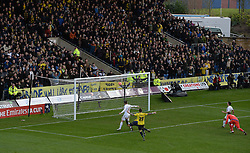 Kemar Roofe of Oxford United scores the second goal of the game. - Mandatory byline: Alex James/JMP - 10/01/2016 - FOOTBALL - Kassam Stadium - Oxford, England - Oxford United v Swansea City - FA Cup Third Round