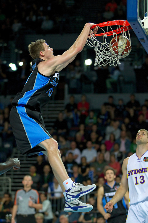 Breakers Thomas Abercrombie  scores against the Kings  during the ANBL Basketball Match, Vector Arena, Auckland, New Zealand, Friday, October 28, 2011.  Credit:SNPA / David Rowland