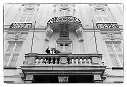 Dalajláma-Tändzin Gjamccho - བསྟན་འཛིན་རྒྱ་མཚོ་ a Kardinál František Tomášek_1990_Prague
