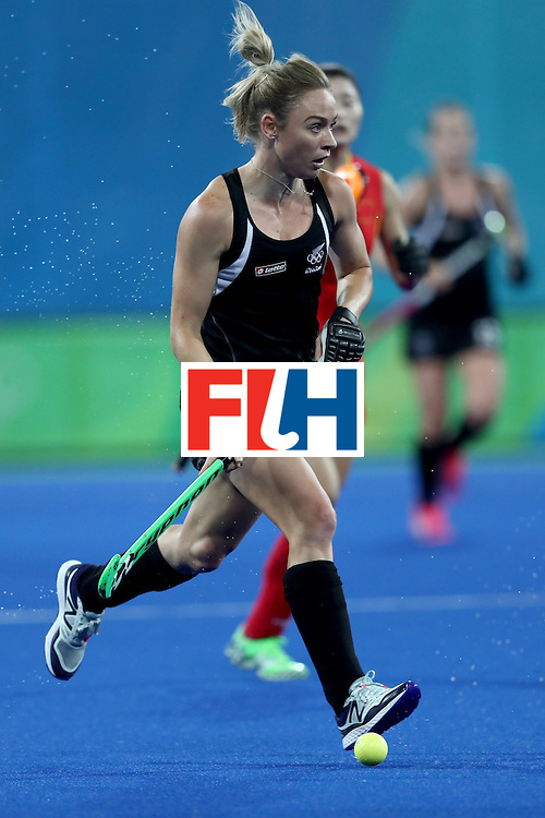 RIO DE JANEIRO, BRAZIL - AUGUST 13: Anita McLaren of New Zealand in action  in the Women's Pool A match between the People's Republic of China and New Zealand on Day 8 of the Rio 2016 Olympic Games at the Olympic Hockey Centre on August 13, 2016 in Rio de Janeiro, Brazil.  (Photo by Phil Walter/Getty Images)