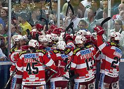 07.04.2011, Volksgarten Arena, Salzburg, AUT, EBEL, FINALE, EC RED BULL SALZBURG vs EC KAC, im Bild Torjubel KAC nach dem entschiedenden Tor in der Overtime durch Tyler Spurgeon, (EC KAC, #09) // during the EBEL Eishockey Final, EC RED BULL SALZBURG vs EC KAC at the Volksgarten Arena, Salzburg, 2011-04-07, EXPA Pictures © 2011, PhotoCredit: EXPA/ J. Feichter