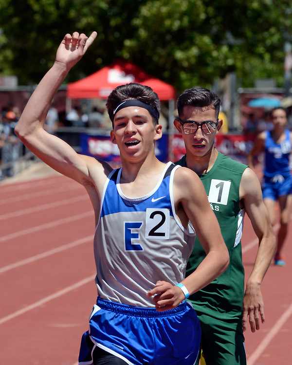 jt051217d/sports/jim thompson/ East Mountain's Isiah Padilla took first in the State Boys 6A 1600 meter run  beating out West Las Vegas' Miguel Coca.  Friday May. 12, 2017. (Jim Thompson/Albuquerque Journal)