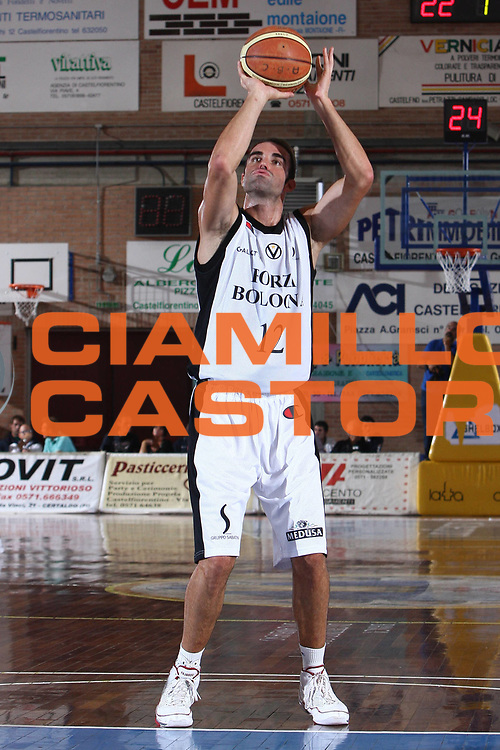 DESCRIZIONE : Castelfiorentino Lega A 2009-10 Basket Torneo V. Martini Virtus Bologna Bancatercas Teramo<br /> GIOCATORE : Diego Fajardo<br /> SQUADRA : Virtus Bologna <br /> EVENTO : Campionato Lega A 2009-2010 <br /> GARA : Virtus Bologna Bancatercas Teramo<br /> DATA : 12/09/2009<br /> CATEGORIA : tiro<br /> SPORT : Pallacanestro <br /> AUTORE : Agenzia Ciamillo-Castoria/C.De Massis