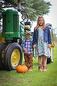Kaylee & Gunnar's Fall Portraits 10-2016