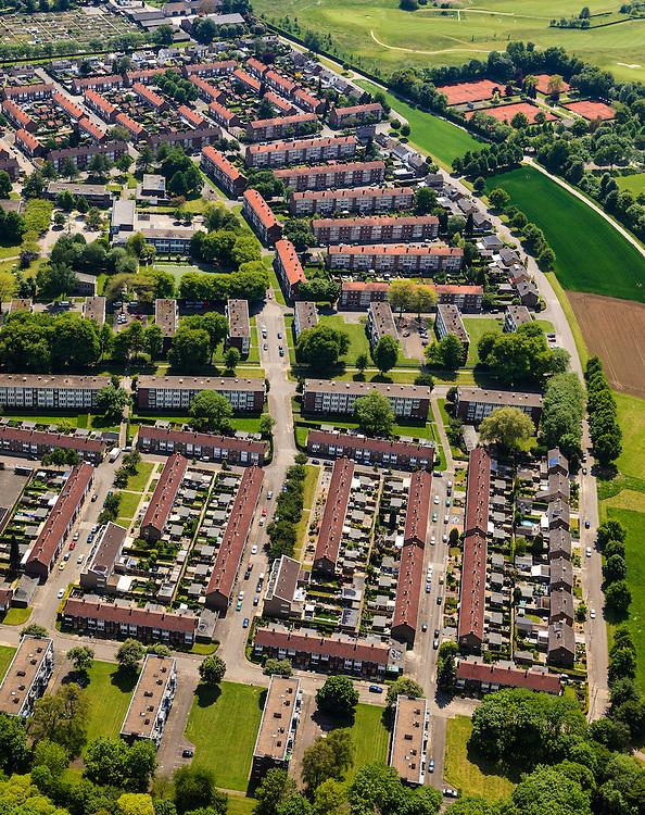 Nederland, Limburg, Maastricht, 27-05-2013; Pottenberg, wijk in Maastricht-West. De parochiewijk is ruim opgezet en kent verschillend woningtypes. Middelpunt van de wijk uit de wederopbouwperiode is het Terra Cottaplein met Christus'Hemelvaart kerk.<br /> Reconstruction area: parish district in Maastricht is spacious and has various housing types, constructed around the church central in the district.<br /> luchtfoto (toeslag op standard tarieven)<br /> aerial photo (additional fee required)<br /> copyright foto/photo Siebe Swart.