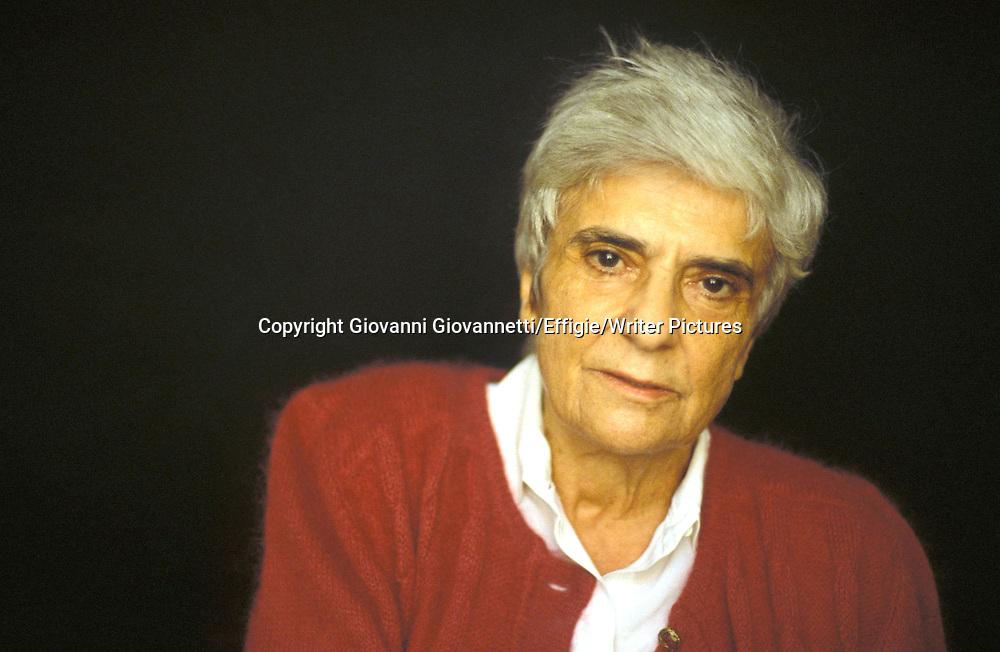 D'ERAMO LUCE<br /> (C)GIOVANNETTI/EFFIGIE<br /> <br /> 13/08/2003<br /> Copyright Giovanni Giovannetti/Effigie/Writer Pictures<br /> NO ITALY, NO AGENCY SALES