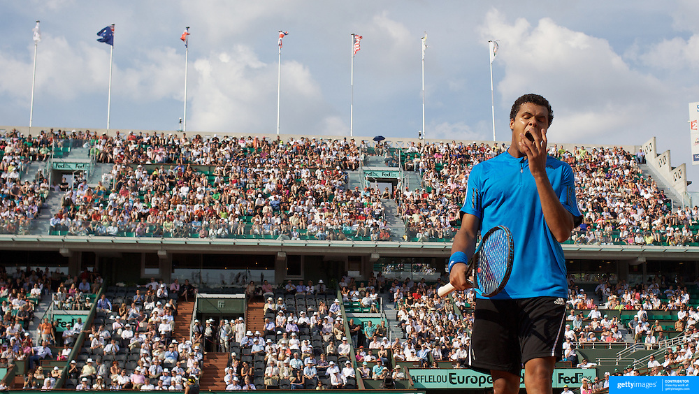 Jo-Wilfried Tsonga, France in action during his loss to Juan Martin Del Potro, Argentina, at the French Open Tennis Tournament at Roland Garros, Paris, France on Monday, June 1, 2009. Photo Tim Clayton.