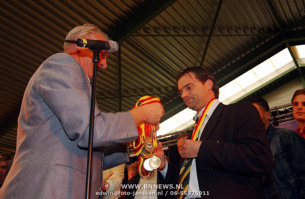Sportgala 2003 Huizen, SV Huizen sportploeg van het jaar 2003, trainer Roy Wesseling