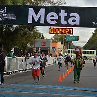 TOLUCA, México.- (Octubre 21, 2018).- Cientos de corredores participaron en la 13 edición de la carrera por el Día del Médico organizada por la Universidad Autónoma del Estado de México. Agencia MVT / Crisanta Espinosa.