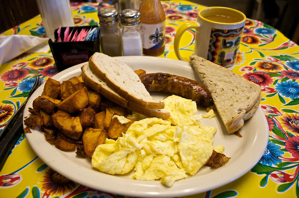 American Breakfast, Elizabeth's Restaurant, Fauborg Marigny, New Orleans, Louisiana, USA
