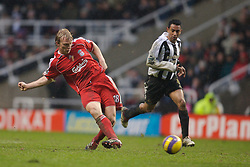 Newcastle, England - Saturday, February 10, 2007: Liverpool's Dirk Kuyt in action against Newcastle United during the Premiership match at St James' Park. (Pic by David Rawcliffe/Propaganda)