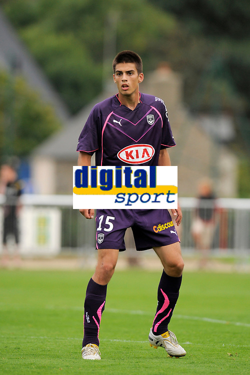 FOOTBALL - FRIENDLY GAMES 2010/2011 - GIRONDINS BORDEAUX v FC TOURS - 24/07/2010 - PHOTO JEAN MARIE HERVIO / DPPI - VUJADIN SAVIC (BOR)