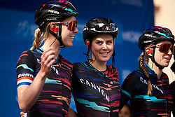 Tiffany Cromwell (AUS) signs on with her CANYON//SRAM Racing teammates at Amgen Tour of California Women's Race empowered with SRAM 2019 - Stage 3, a 126 km road race from Santa Clarita to Pasedena, United States on May 18, 2019. Photo by Sean Robinson/velofocus.com