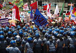 June 12, 2017 - Manila, Philippines - Policemen block protesters from marching towards the US Embassy during a rally coinciding with the 119th Philippine Independence Day in Manila, Philippines. (Credit Image: © Richard James Mendoza/Pacific Press via ZUMA Wire)