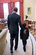 01.APRIL.2013. WASHINGTON D.C.<br /> <br /> PRESIDENT BARACK OBAMA WELCOMES ROBBY NOVAK, KNOWN AS 'KID PRESIDENT' TO THE OVAL OFFICE<br /> <br /> BYLINE: EDBIMAGEARCHIVE.CO.UK<br /> <br /> *THIS IMAGE IS STRICTLY FOR UK NEWSPAPERS AND MAGAZINES ONLY*<br /> *FOR WORLD WIDE SALES AND WEB USE PLEASE CONTACT EDBIMAGEARCHIVE - 0208 954 5968*