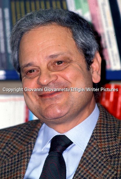 Cosmacini Giorgio<br /> <br /> <br /> 28/04/2003<br /> Copyright Giovanni Giovannetti/Effigie/Writer Pictures<br /> NO ITALY, NO AGENCY SALES