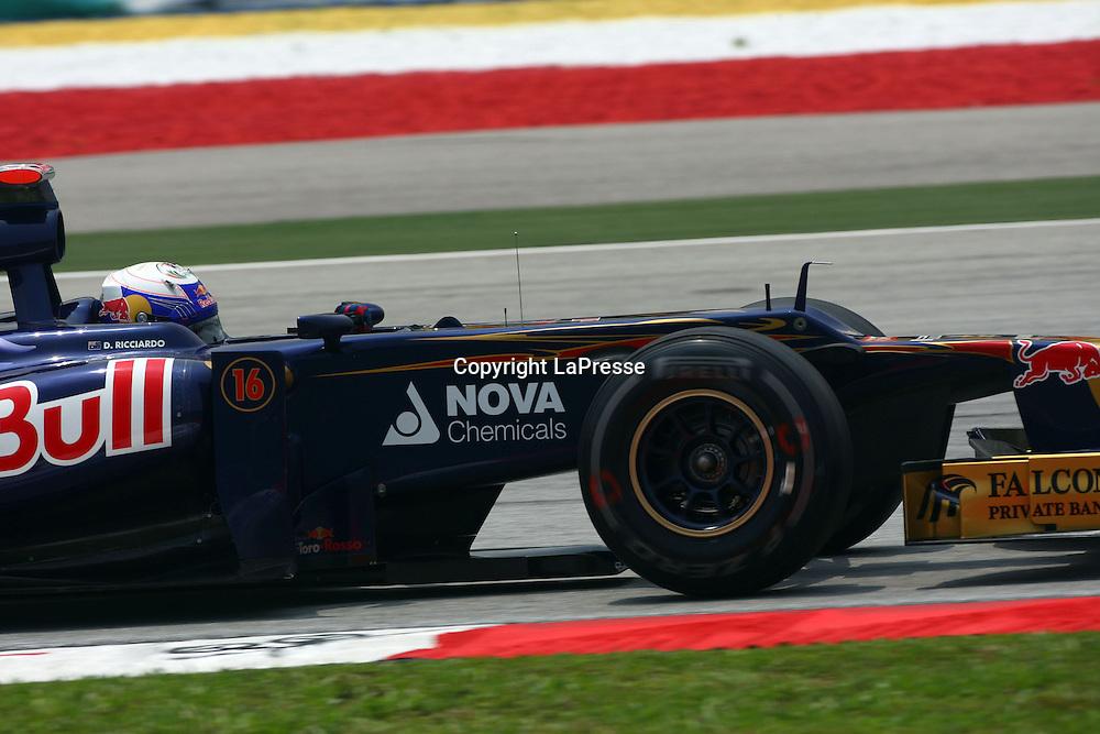 &copy; Photo4 / LaPresse<br /> 23/3/2012 Sepang<br /> Malaysian Grand Prix, Sepang 2012<br /> In the pic: Daniel Ricciardo (AUS) Scuderia Toro Rosso STR7
