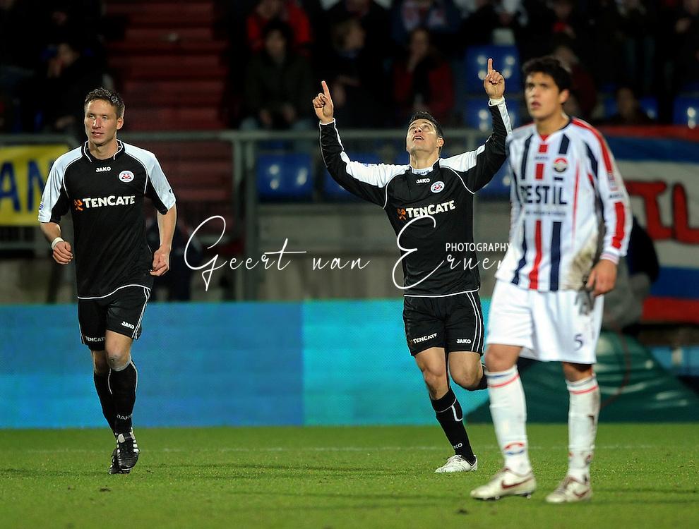 28-02-2009 Voetbal:Willem II:Heracles Almelo:Tilburg<br /> Everton is goed voor twee doelpunten<br /> Foto: Geert van Erven