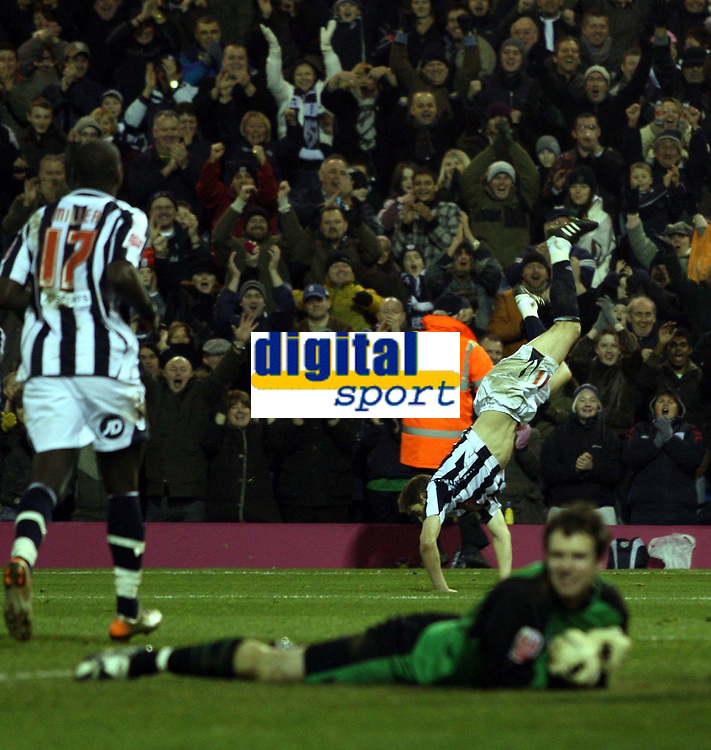 Photo: Mark Stephenson/Sportsbeat Images.<br /> West Bromwich Albion v Scunthorpe United. Coca Cola Championship. 29/12/2007.West Brom's Zoltan Gera (no11) celebrates his goal while a dejected Scunthorpe keeper looks on