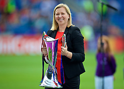 CARDIFF, WALES - Thursday, June 1, 2017: Wales team manager and Champions League Ambassador Jayne Ludlow with the trophy before the UEFA Women's Champions League Final between Olympique Lyonnais and Paris Saint-Germain FC at the Cardiff City Stadium. (Pic by David Rawcliffe/Propaganda)