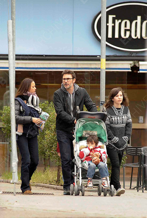 09.JULY.2012. BUENOS AIRES<br /> <br /> BERENICE BEJO AND MICHEL HAZANAVICIUS ON HOLIDAYS IN BUENOS AIRES WITH THEIR 4 CHILDREN.<br /> <br /> BYLINE: EDBIMAGEARCHIVE.CO.UK<br /> <br /> *THIS IMAGE IS STRICTLY FOR UK NEWSPAPERS AND MAGAZINES ONLY*<br /> *FOR WORLD WIDE SALES AND WEB USE PLEASE CONTACT EDBIMAGEARCHIVE - 0208 954 5968*