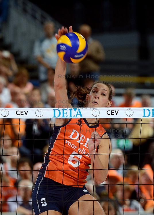 28-09-2015 NED: Volleyball European Championship Nederland - Italie, Apeldoorn<br /> Nederland verslaat Italie met klinkende cijfers 3-0 / Robin de Kruijf #5