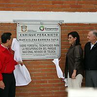 Toluca, México.- Enrique Peña Nieto, gobernador del Estado de México, inauguró el Vivero Forestal de Alta Tecnología el cual tuvo una inversión de 8 millones 400 mil pesos. Agencia MVT / Arturo Rosales Chávez. (DIGITAL)