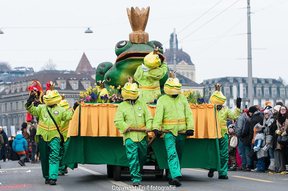 Wey-Frosch am Luzerner Fasnachtumzug Güdismontag