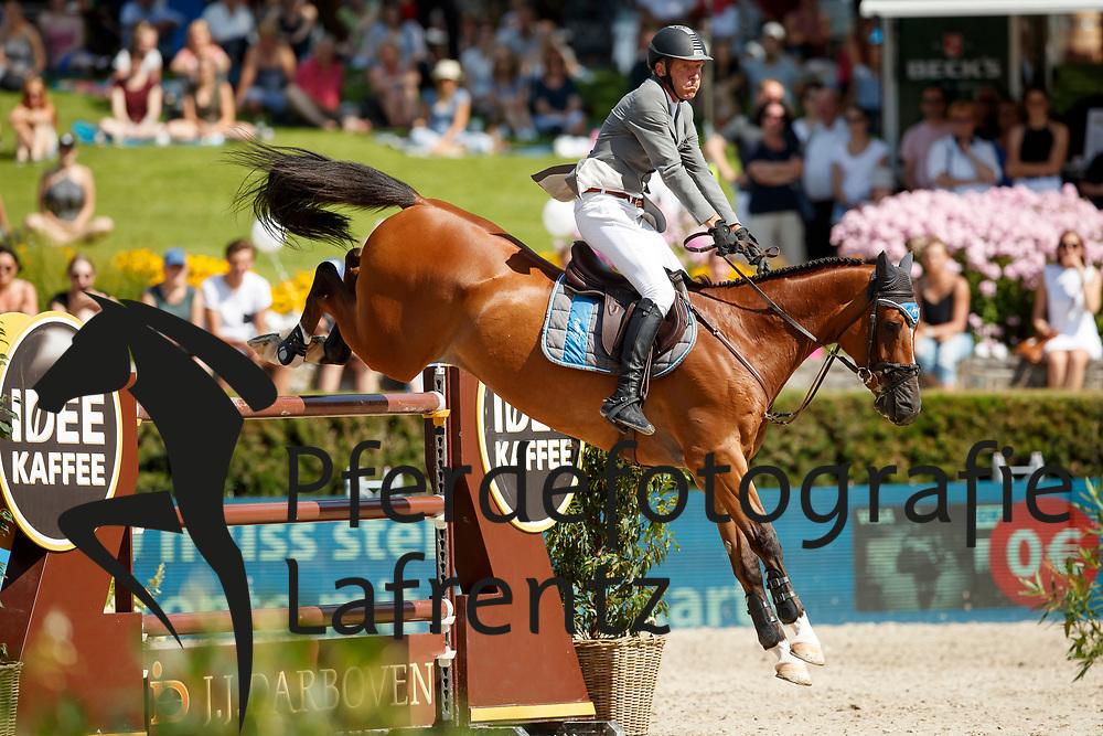 Beerbaum, Ludger (GER), Cool Down<br /> Berlin - Global Jumping Berlin 2017<br /> © www.sportfotos-lafrentz.de/Stefan Lafrentz