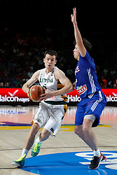 13.09.2014, City Arena, Madrid, ESP, FIBA WM, Frankreich und Litauen, Entscheidungsspiel zwischen Platz 3 und 4, im Bild France´s Heurtel (R) and Lithuania´s Juskevicius // during FIBA Basketball World Cup Spain 2014 playoff match place 3 and 4 between France and Lithuania at the City Arena in Madrid, Spain on 2014/09/13. EXPA Pictures © 2014, PhotoCredit: EXPA/ Alterphotos/ Victor Blanco<br /> <br /> *****ATTENTION - OUT of ESP, SUI*****